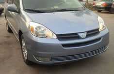 SOLD!! Tokunbo full options 2004 Toyota Sienna Xle for sale