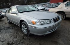 Clean Toyota Camry 2000 grey pencil light FOR SALE