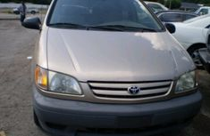 Foreign used Toyota Sienna 2002 FOR SALE