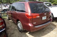 2005 Toyota Sienna Automatic Petrol well maintained for sale