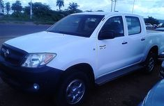 Clean 2009 Toyota Hilux for sale with full option