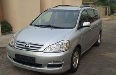 Toyota Picnic 2005 silverfor sale