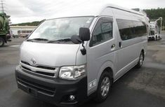 Direct tokunbo Hiace bus 2004 TOYOTA FOR SALE