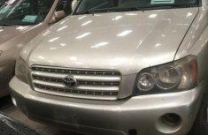 Toyota Highlander 2004 Silver for sale