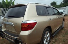 Foreign used Toyota Highlander 2009 Gold for sale