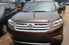 Foreign used Toyota Highlander 2012 Brown for sale
