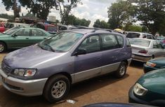 Toyota Picnic 2000 Purple for urgent sales