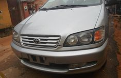 Toyota Picnic 2000 silver for urgent sales