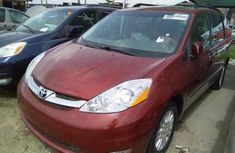 Almost brand new Toyota Sienna Petrol 2008 for sale