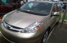 Toyota Sienna 2008 Petrol Automatic Gold for sale