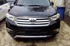 Clean Toyota Highlander 2013 Black for sale