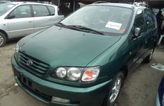 2007 Clean Toyota Picnic Green for sale