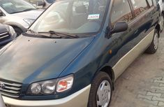 2000 Clean Toyota Picnic for sale