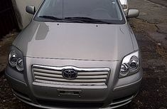 Clean Toyota Avensis 2010 FOR SALE