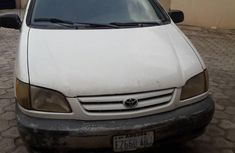 Toyota Sienna 2002 White for sale