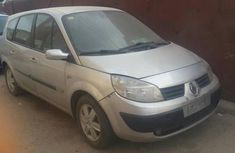 Tokunbo Renault Grand Scenic 2005 Silver For Sale