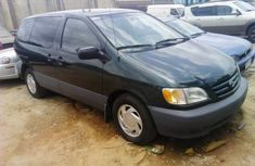 Toyota Sienna 2002 Petrol Automatic Green for sale