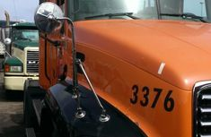Mack truck 2008 Orange for sale