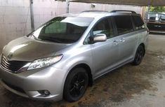 Neat Toyota Sienna 2012 for sale