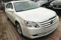 Foreign used Toyota Avalon 2009 white for sale