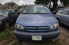 Clean Toyota Sienna 2000 Blue for sale