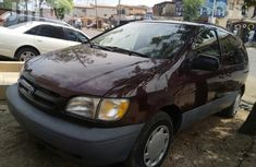 Clean Toyota Sienna 2000 Red for sale