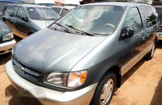 Clean Toyota Sienna 2000 for sale