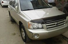 Clean Used Toyota Highlander 2003 Gold for sale