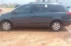 Toyota Sienna CE 2006 Gray for sale