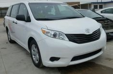TOYOTA SIENNA 2011 white for sale