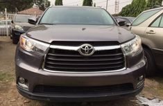 Toyota Highlander Limited 2014 Grey in good condition for sale