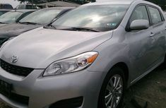 A very neat direct clean Toyota Matrix 2010 Silver for sell