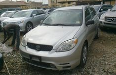 A very neat direct clean Toyota Matrix 2006 silver for sell