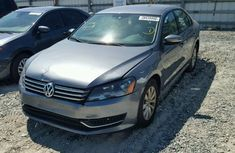 Clean Volkswagen Passat 2010 Grey for sale