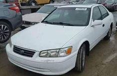 White Toyota Camry 2001 for sale