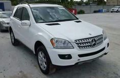 MERCEDES GLK 2009 WHITE FOR SALE
