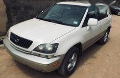 Tokunbo Lexus Rx300 1999 White for sale