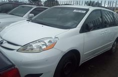 Toyota Sienna 2010 Petrol Automatic White for sale