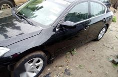 Clean Nissan Altima 2009 Black for sale