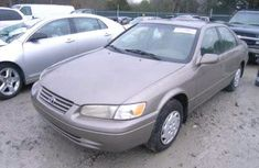Very neat tokunbo Toyota Camry 1999 Grey for sale