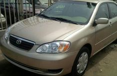 Foreign used Toyota Corolla 2004 gold for sale