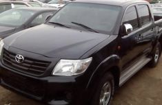 2015 TOYOTA HILUX Black for sale