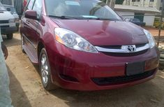 Used Toyota Sienna 2007 Red for sale