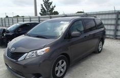 Used Toyota Sienna 2010 grey for sale