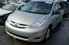DIRECT TOYOTA SIENNA 2003 Grey for sale