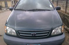 Foreign used Toyota Sienna 2003 Green for sale
