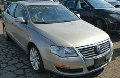 Volkswagen Jetta 2005 Beige for sale