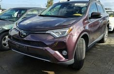 TOYOTA RAV4 IN GOOD CONDITIONS 2010 RED FOR SALE