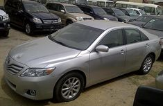 2010 Toyota Camry Silver LE for sale with full option