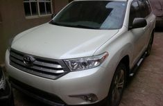 2012 White Toyota Highlander for sale with full option